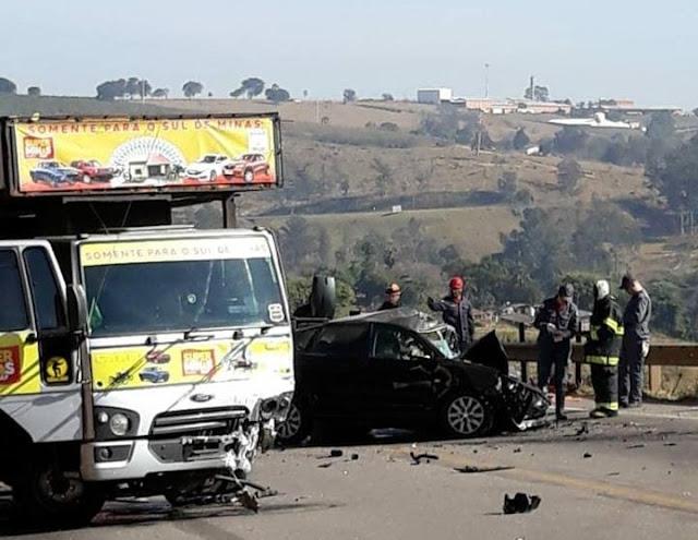 Mulher de 42 anos morre em acidente na BR-491, entre Varginha e Três Corações, MG - Foto: Redes Sociais