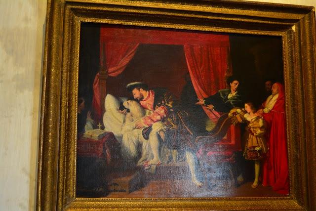 une oeuvre loin de la réalité : François Ier embrassant l'artiste expirant