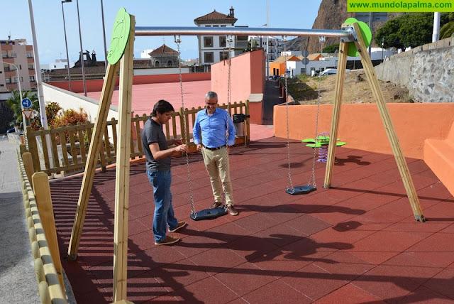 El Ayuntamiento de Santa Cruz de La Palma reforma la zona de juegos de la plaza de La Quisisana