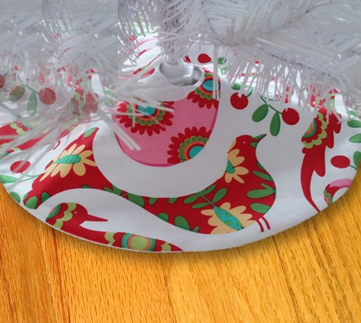 small Christmas tree skirt free pattern