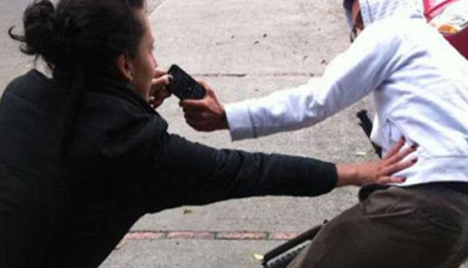 Intento vender celular por Face y la asaltaron