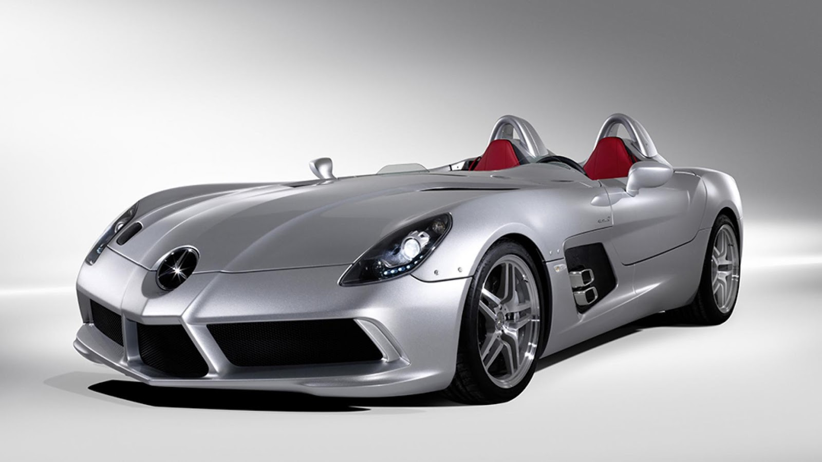 4: McLaren Mercedes SLR Stirling Moss