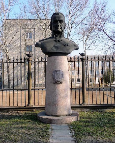 Миколаїв. Пам'ятник адміралу Ф. Ф. Ушакову