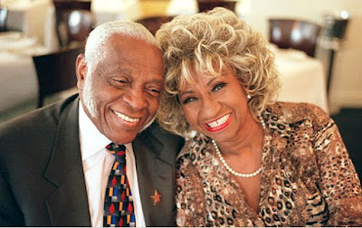 Foto de Celia Cruz con su amor Pedro Knight
