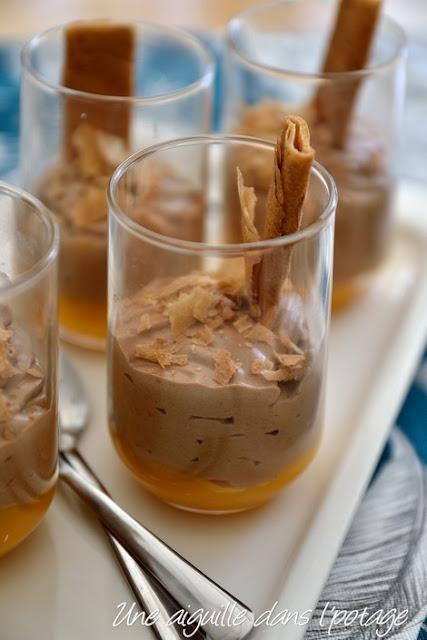 Verrine crème d'abricot-mousse pralinée