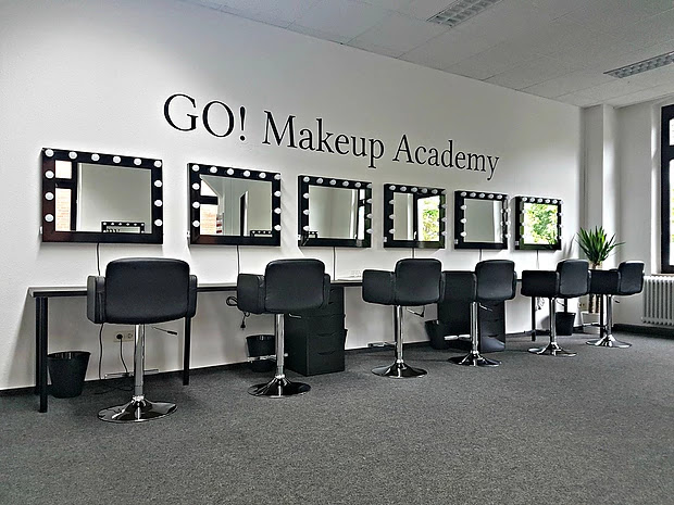 METRO Own Business Day - Beispiel Go Makeup Academy