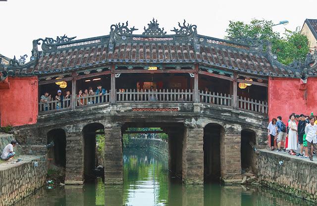 Cầu Chùa biểu tượng độc đáo giữa lòng Hội An