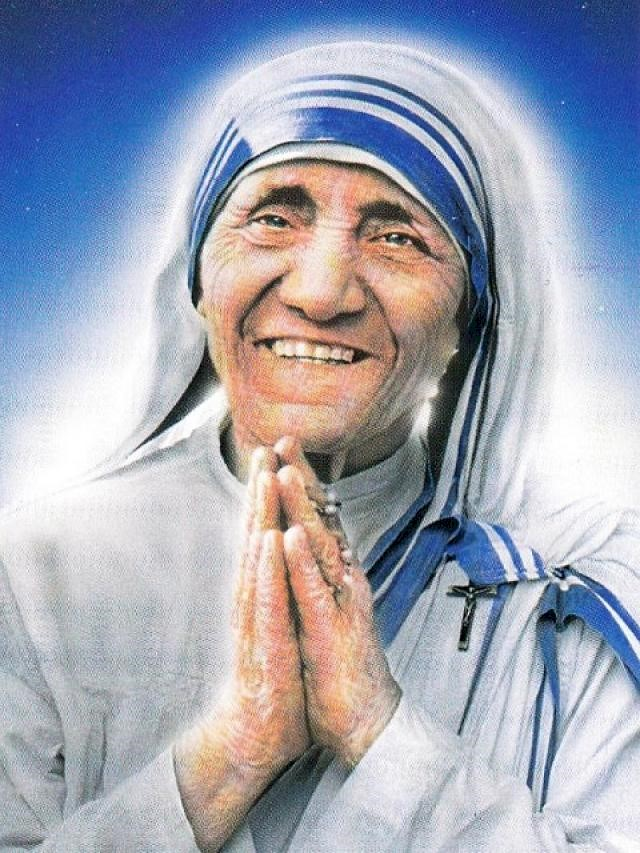 Pope Francis declares Mother Teresa a saint