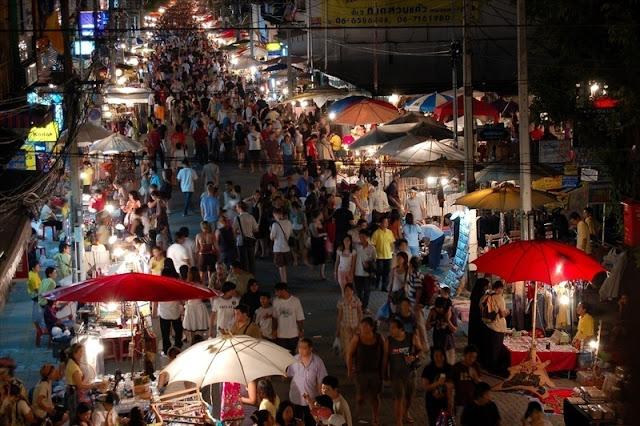 Pasar wisata Banyuwangi didesain ala Chatuchak market.
