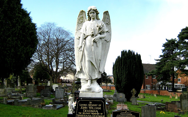 Deadman grave in Rugeley Cemetery
