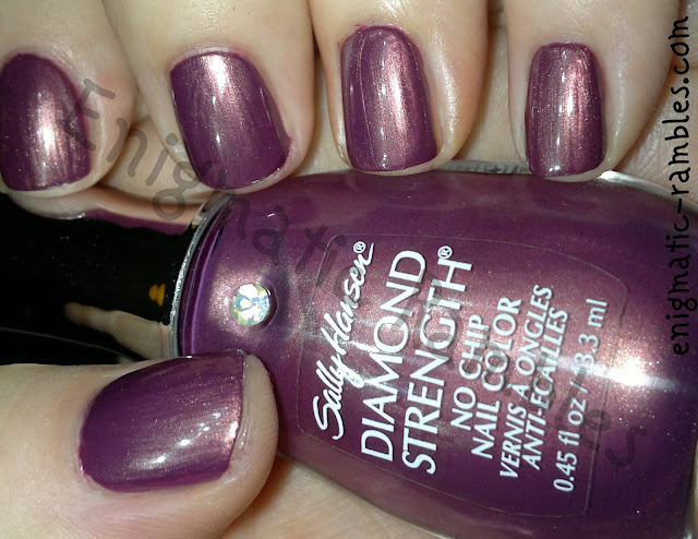 Swatch-Sally-Hansen-Royal-Romance