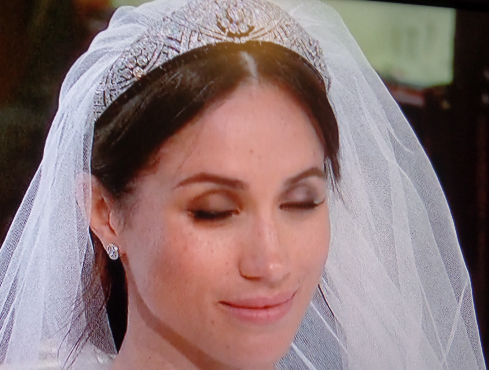 the juicy beauty word royal wedding pics meghan markle s wedding makeup nails and wedding dress royal wedding pics meghan