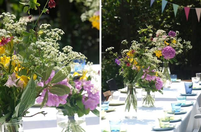 Vilde blomsterbuketter til havefester
