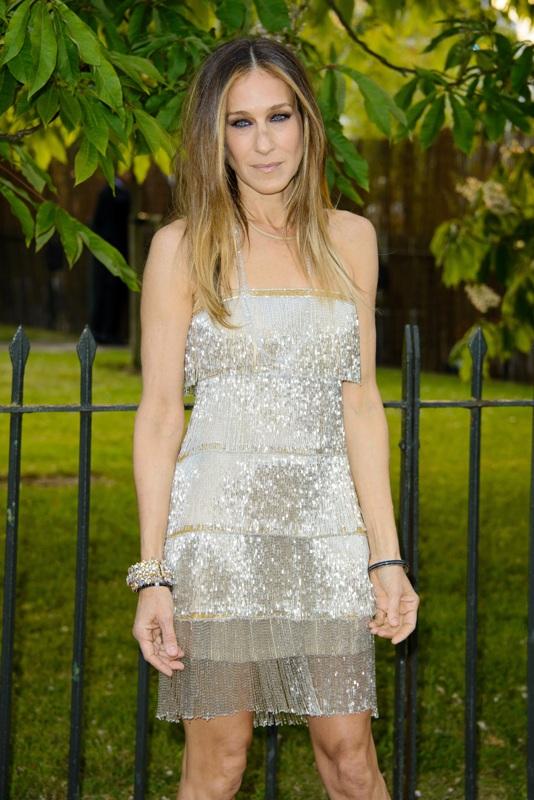 Sarah Jessica Parker sparkles in a metallic flapper dress