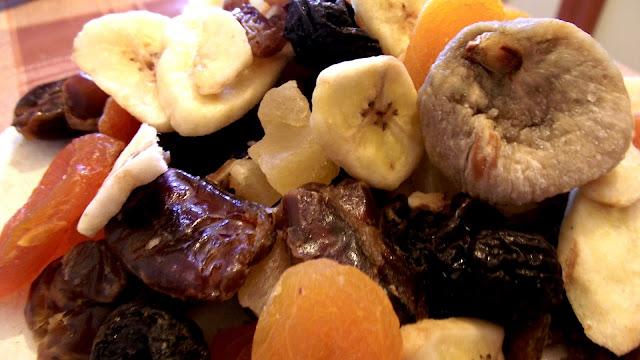 kumpulan gambar buah buahan kering
