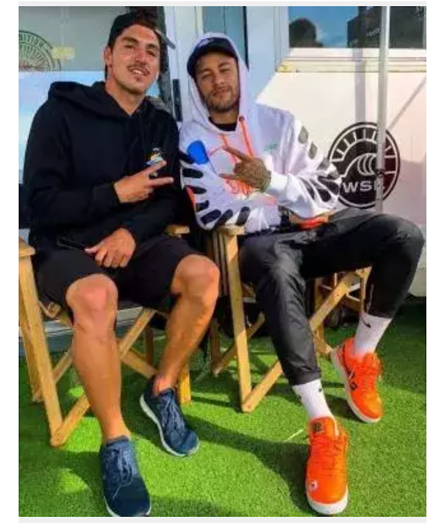 Neymar Celebrates after signing agreement with PSG which will see him return to Barcelona