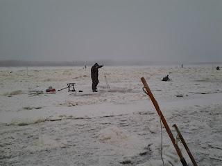 Зимняя рыбалка на Амуре