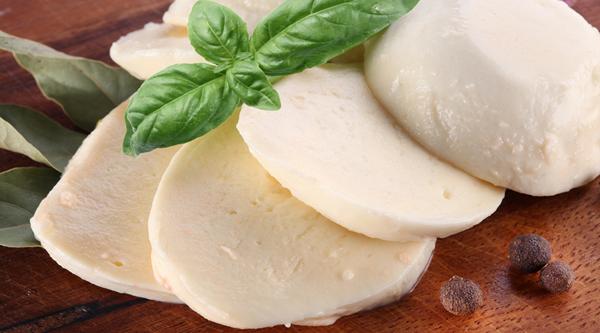 Hamilelikte Mozzarella Peyniri Yemek