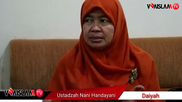 [VIDEO] Ustadzah Nani Handayani Kapok Ceramah di Metro TV