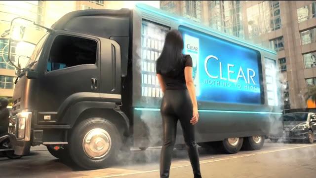 Model Iklan Shampo clear 3