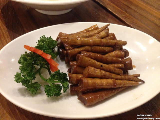 Stewed bamboo shoots in oyster sauce