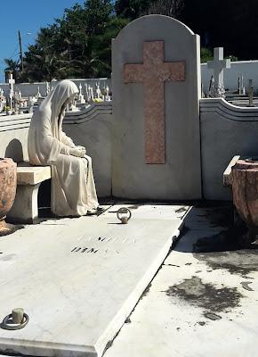 Santa María Magdalena de Pazzis Cemetery, San Juan