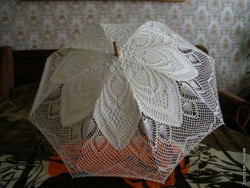 sombrinha branca de crochet
