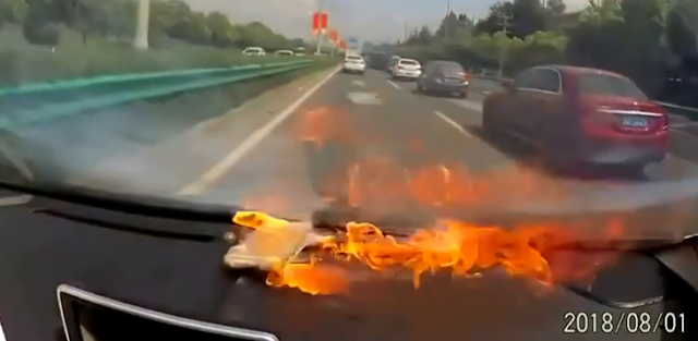iPhone 6 explodes in moving car due to replaced battery