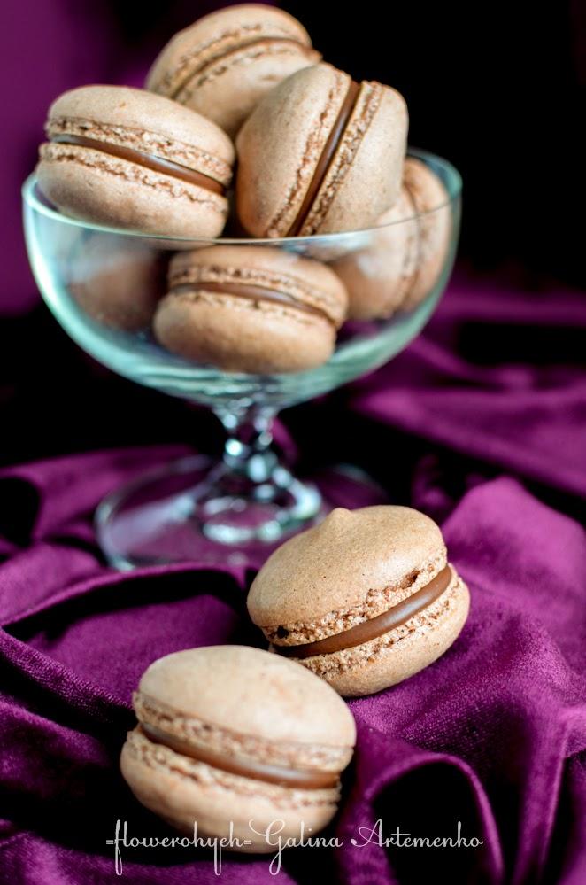 Шоколадные макаронс с ликером «Крема Каталана» по Алену Дюкассу