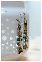 boucles d'oreilles éléphants bronze vieilli et perles oranges et turquoises