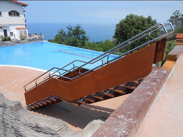 escaleras exterior metlicas tambin realizamos portones barandas piezas en general en acero inoxidable desde dimensiones pequeas hasta amplias