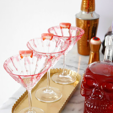 DIY Bloody Halloween Cocktail Glasses