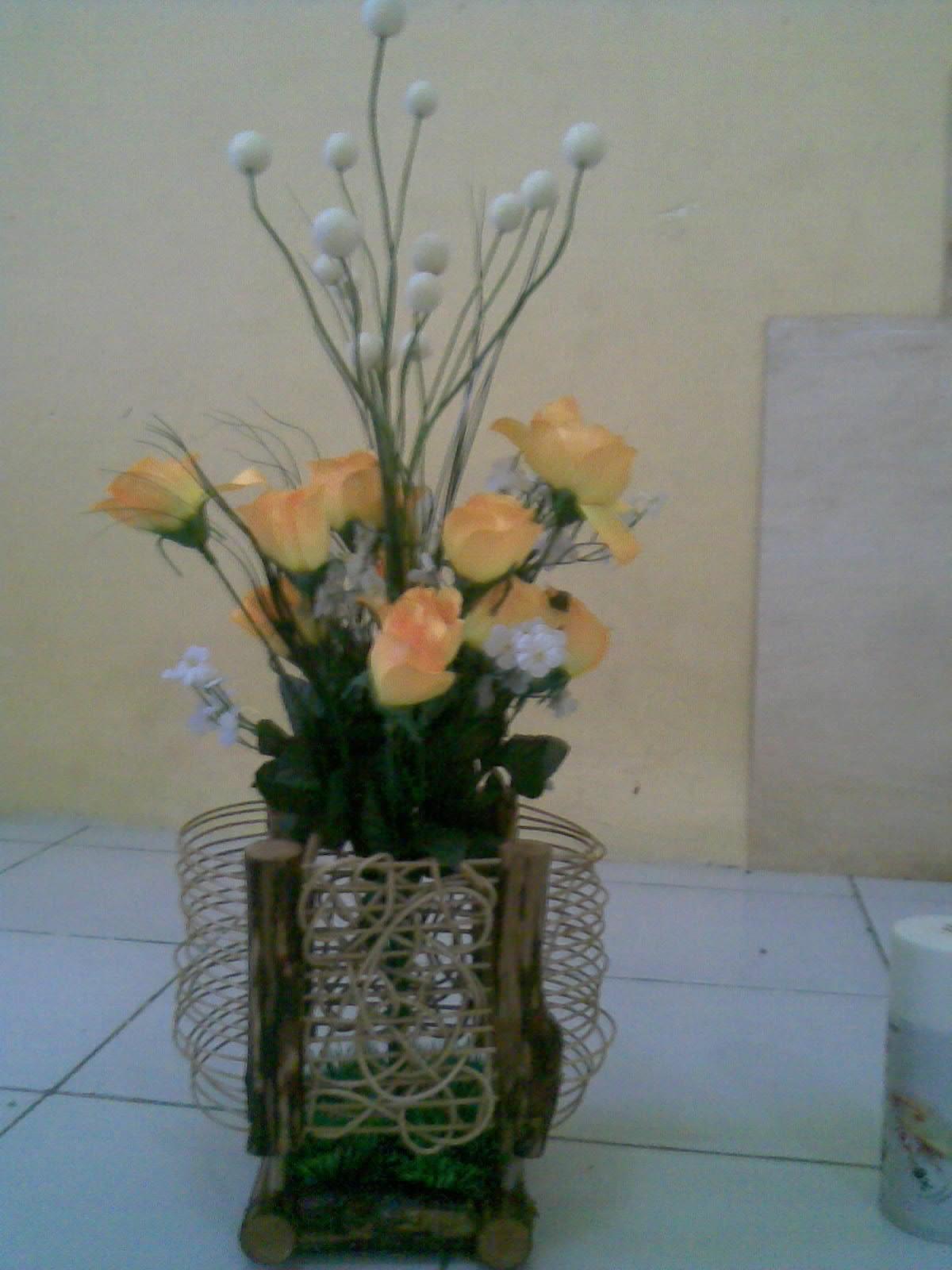 Vas Bunga Rotan dan Kayu   Kerajinan Rotan,Kayu dan Bambu