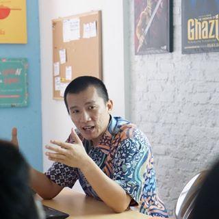 Penjelasan Ustad Felix Y Siauw Tentang SELFIE