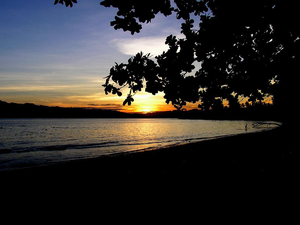 Pantai Natsepa Beach