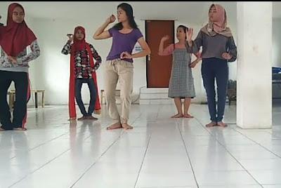 Sanggar Tari Unitri Malang Maksimalkan Latihan Untuk Pembukaan Wisuda