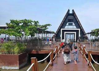 Berlibur Ke Taman Ade Irma Suryani Cirebon