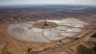 Maior torre de energia solar do mundo é construída em deserto de Israel