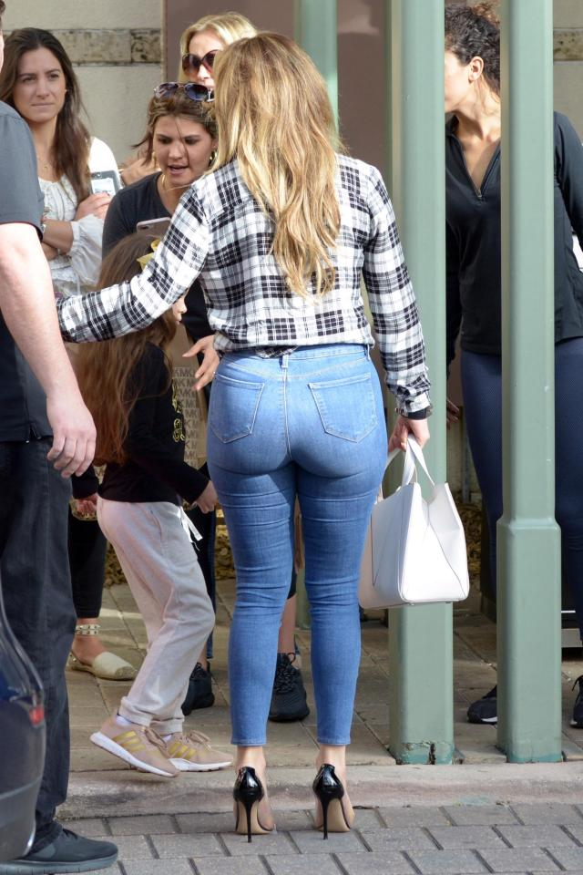Jennifer Lopez displays her curvaceous figure in sexy double denim outfit