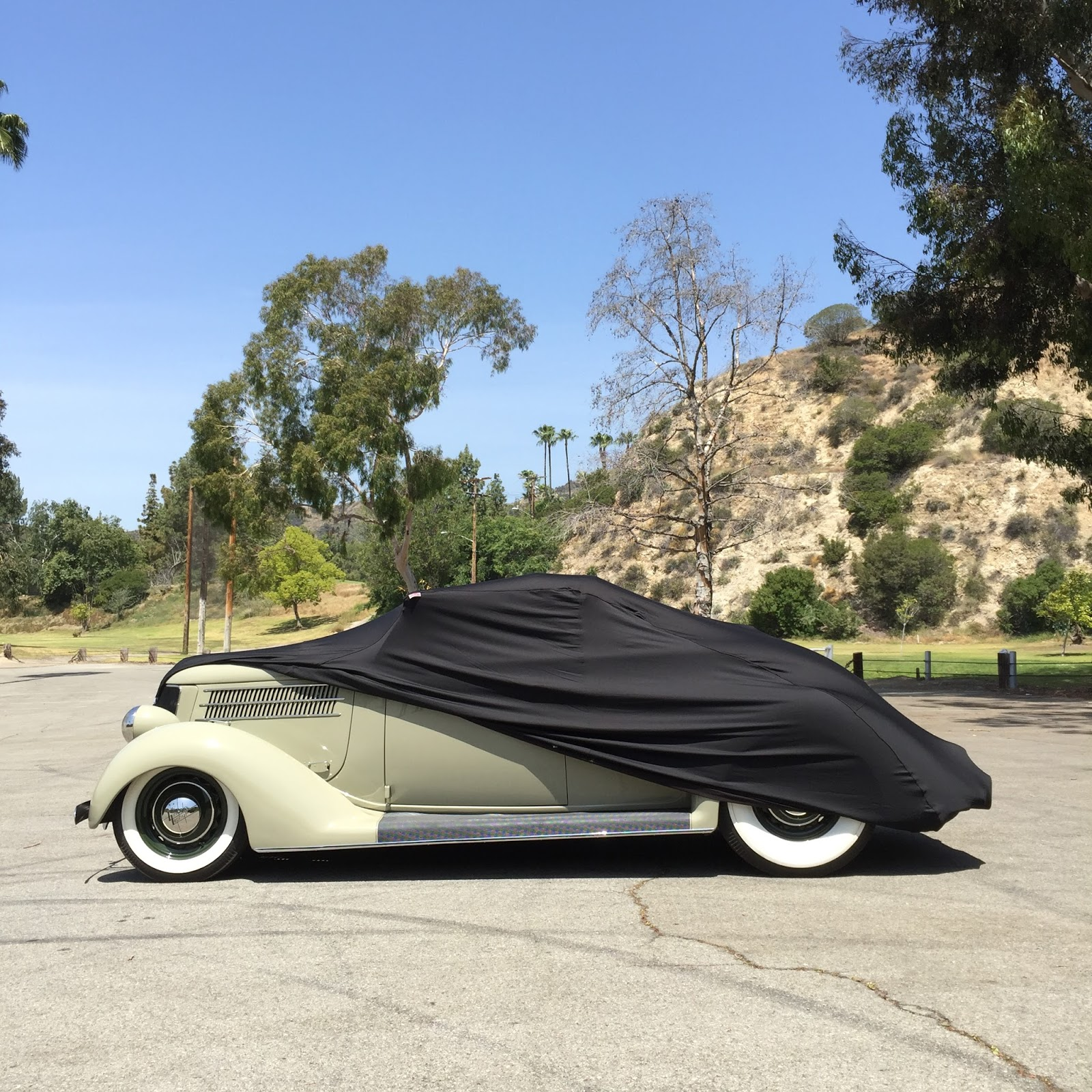 Covering Classic Cars : The Long Beach Legend
