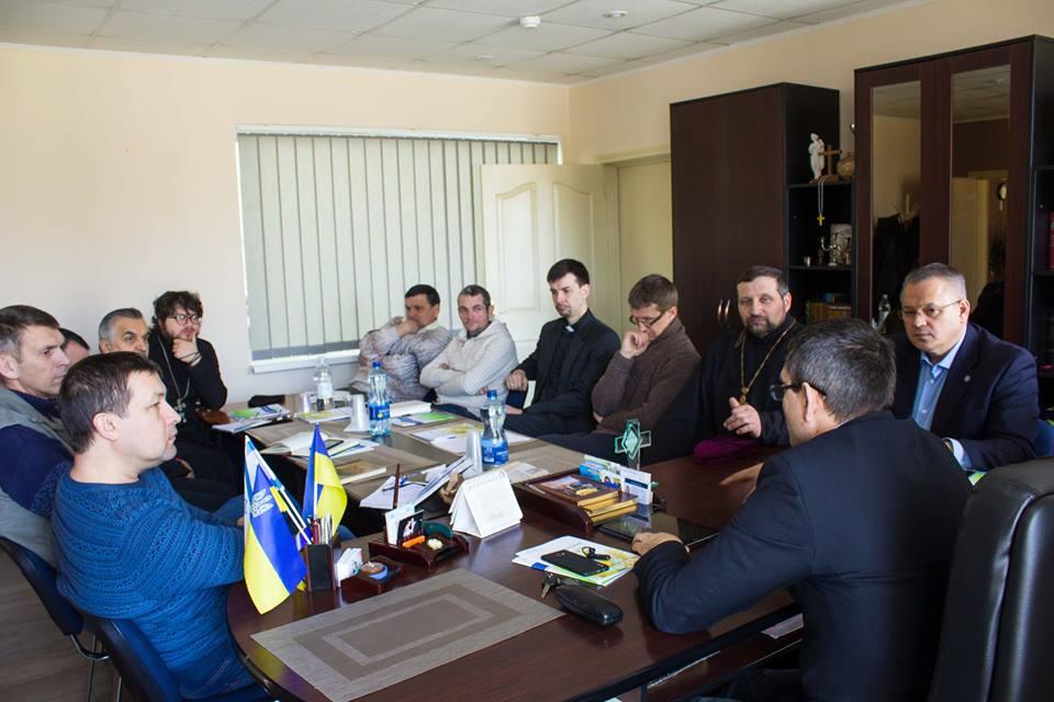 Представники церков Нової Каховки обговорили шляхи співпраці в роботі з дітьми-сиротами