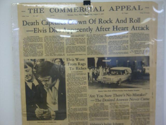 Zeitungsausschnitt vom Tod Elvis Presley´s am 17.07.1977