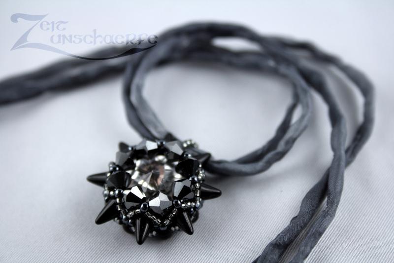 Gránnig beaded pendant | www.zeitunschaerfe.de