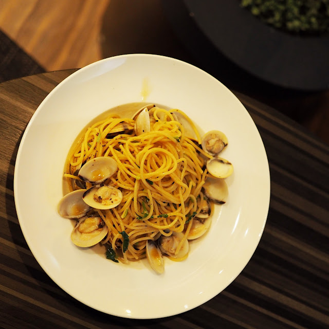 clams vongole spaghetti in singapore