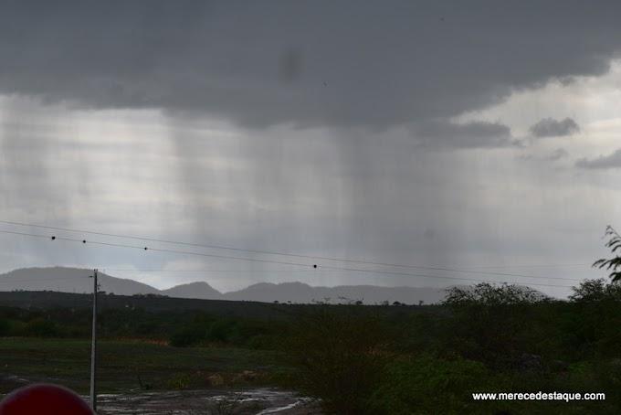 Choveu em mais de 60 cidades da Paraíba nas últimas 24 horas; teto da UEPB caiu em Monteiro