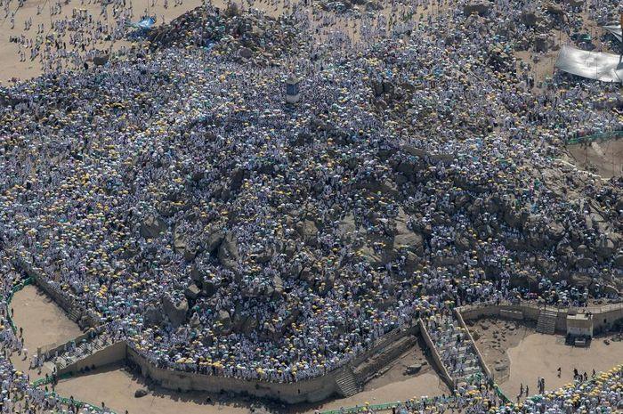 Foto Jutaan Orang Berkumpul di Mekkah