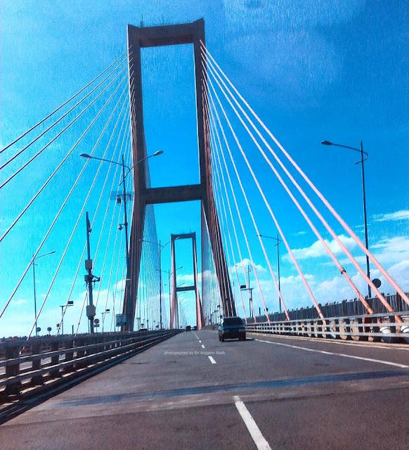 Jembatan Nasional Suramadu.