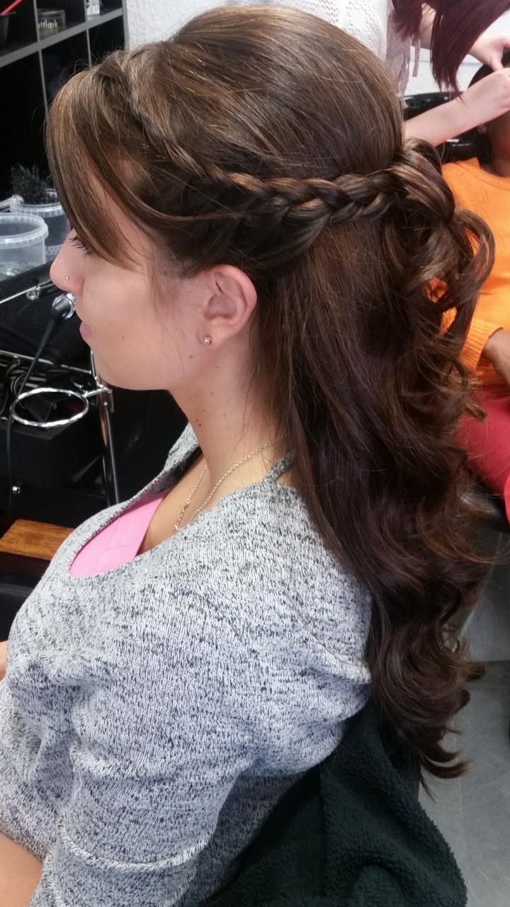 Halb Hochgesteckte Haare halb hochgesteckte haare mit pony frisuren mit pony brautfrisuren f r