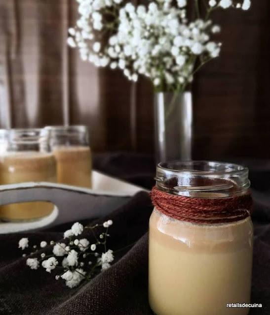 Iogurt de caramel salat