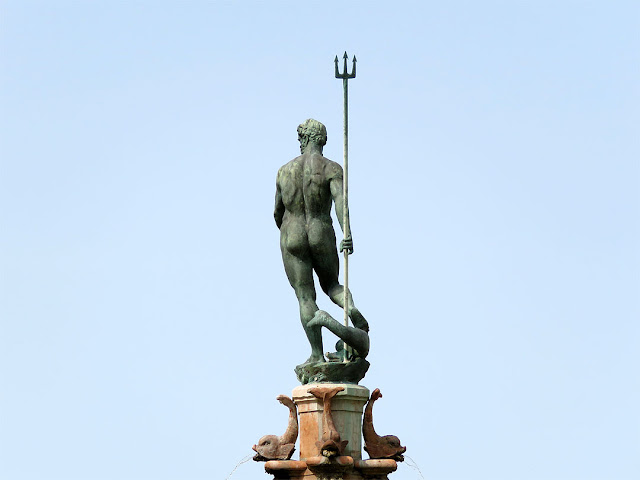 Dettaglio della Fontana del Nettuno, Piazza Giuseppe Emanuele Modigliani, Livorno
